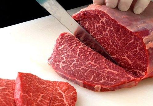 ハンバーグにはストレスフリーな肉のカット