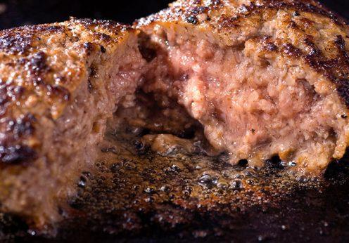 格之進ハンバーグの肉汁は極上のソースです!