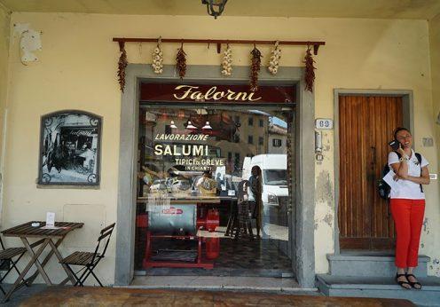 300年続くイタリアの肉屋ファロルニ
